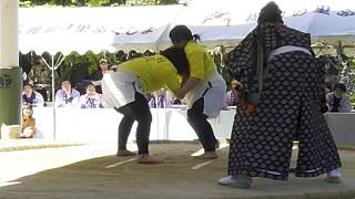 Japan: Mother's Day marked by woman-only sumo wrestling tournament