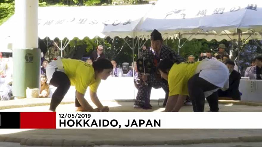 برگزاری مسابقات کشتی سومو ویژه زنان به مناسبت روز مادر در ژاپن