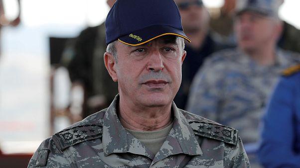 Ο υπουργός Άμυνας της Τουρκίας, Χουλούσι Ακάρ