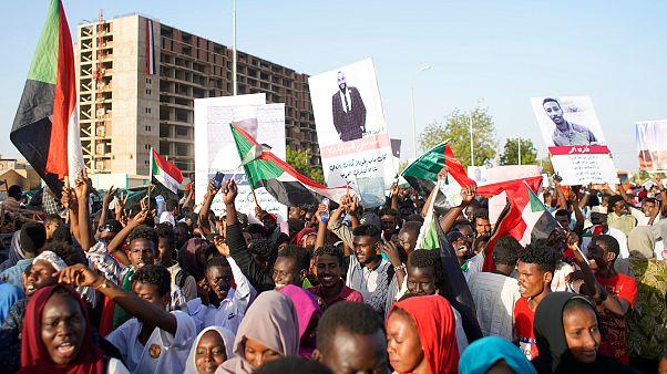 المجلس العسكري السوداني يعلن الاتفاق مع المعارضة على هيكل السلطة الانتقالية