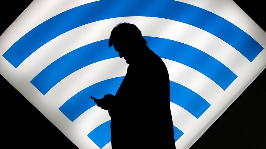 A roaming-díj után a túlárazott külföldi hívásokat is eltörölte a Bizottság