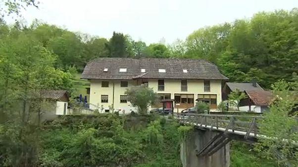 Γερμανία: Εντοπίστηκαν πέντε πτώματα τρυπημένα με βέλη