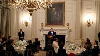 شاهد: ترامب يشارك المسلمين الإفطار في البيت الأبيض