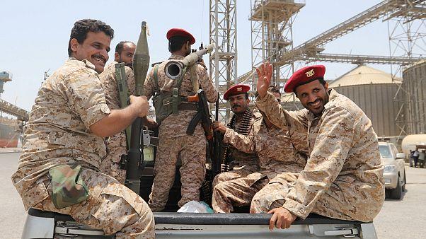الحوثيون يستهدفون منشآت حيوية سعودية