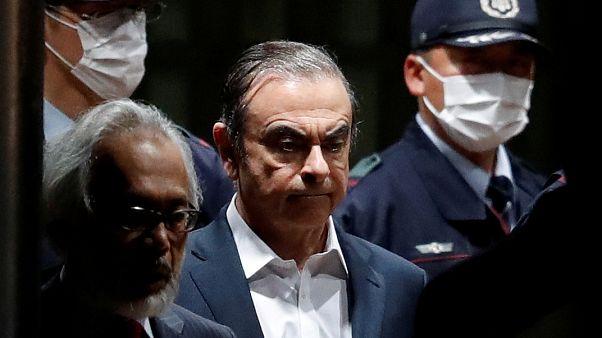 مدير  نيسان  السابق كارلوس غصن يغادر مقر احتجازه في طوكيو