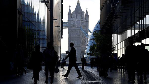 İngiltere'de işsizlik 1974'ten bu yana en düşük seviyeye geriledi