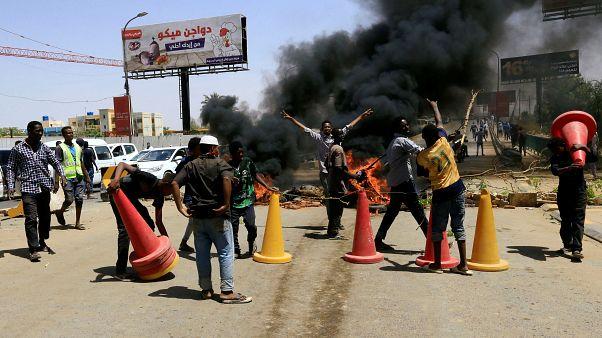 محتجون سوادنيون في الخرطوم