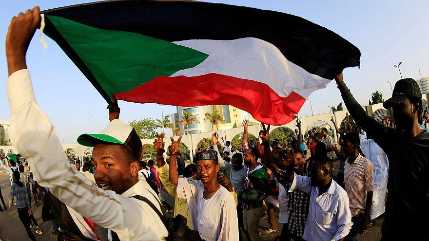 Sudan'da ordu ile muhalefet anlaştı: 3 yıl içinde sivil yönetime geçilecek