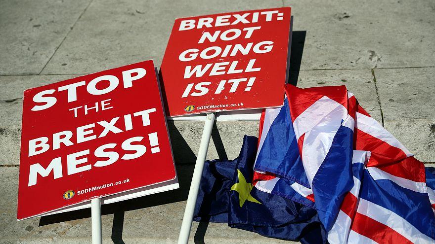 Brexit: Καταθέτει νομοσχέδιο για τη συμφωνία αποχώρησης από την ΕΕ η Τερέζα Μέι