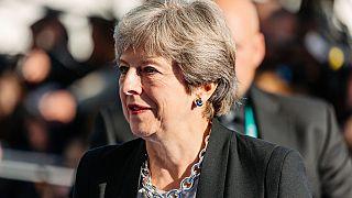 Theresa May vai avançar com nova tentativa de acordo para o Brexit
