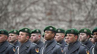 آلمان آموزشهای نظامی خود را در عراق به حالت تعلیق درآورد