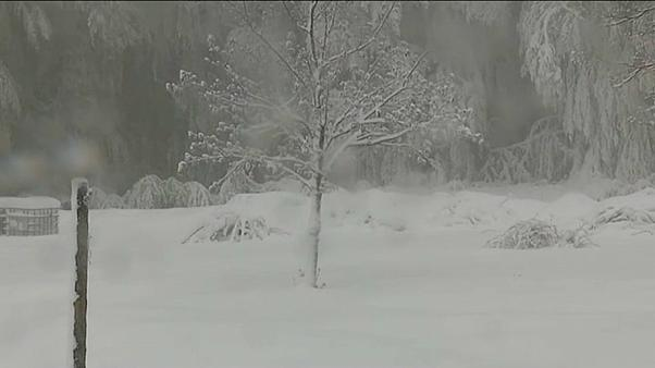 Le montagne di Corsica sotto la neve di metà maggio