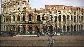 """""""Человек-невидимка"""" в Милане"""