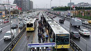 İstanbul'da öğrenci akbil'i 40 liraya indi: İmamoğlu'ndan 18 günlük icraat mesajı
