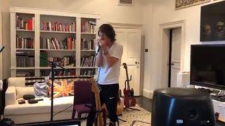 Mick Jagger volta a dançar