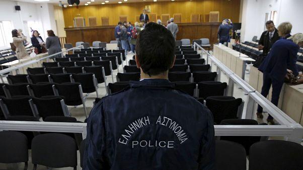 القضاء اليوناني يبرئ تسعة أتراك متهمين بقضايا تتعلق بالإرهاب