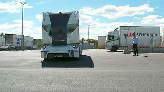 شاهد: شاحنة كهربائية بلا سائق تطلق لتوصيل الطلبات في السويد