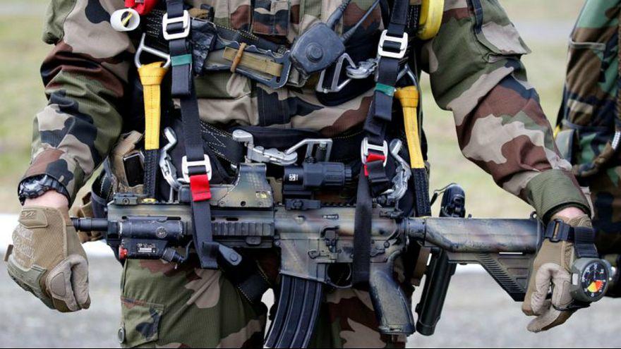 فرانسه: برنامهای برای تعلیق فعالیتهای آموزش نظامی خود در عراق نداریم