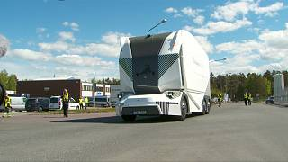 آزمایش موفق کامیون برقی بدون راننده