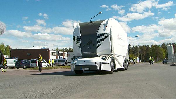 Camião sem motorista faz entregas