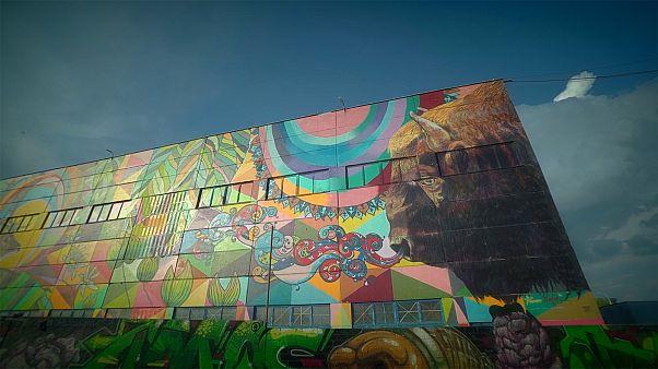 Λευκορωσία: Street art στην οδό Οκτιάμπρσκαγια