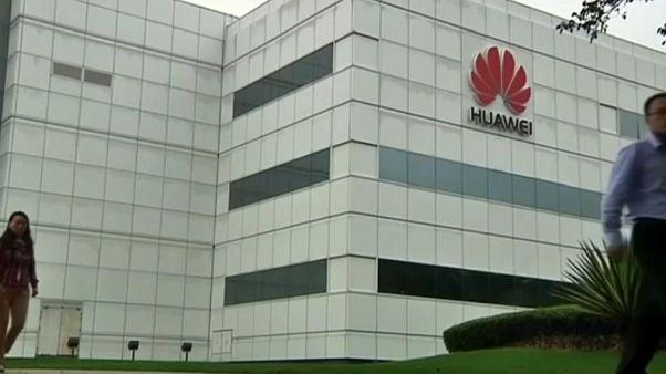 Trump pressiona China com proibição à Huawei