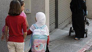 النمسا تمنع الحجاب في المدارس الابتدائية