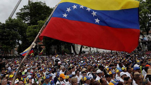 Gobierno y oposición de Venezuela negocian en Noruega
