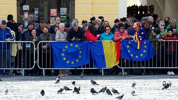 Avrupalıların çoğunluğu AB'nin 20 yıl içinde dağılacağını düşünüyor