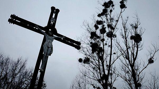 طرح افزایش مجازات کودک آزاری در پی پخش مستندی از رسوایی کلیسای لهستان