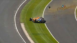 Fernando Alonso sale ileso de un fuerte accidente