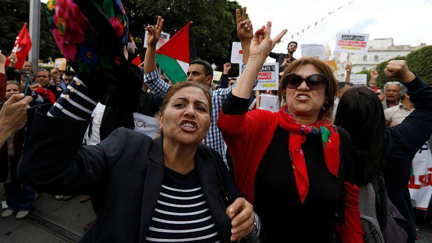 تونسيات تظاهرن في عيد يوم عيد العمال