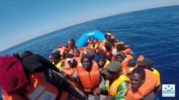 Sea watch 3: 65 migranti in alto mare in cerca di un porto