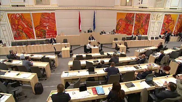 Változásokról döntöttek menekültügyben Ausztriában