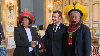 Brezilyalı yerli kabile şefi Paris'te Macron'u ziyaret etti