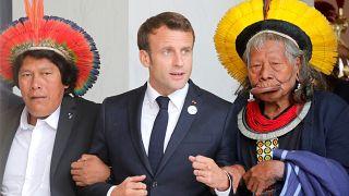 شاهد.. ماكرون يلتقي زعماء قبائل برازيلية في باريس