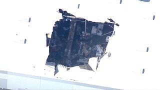 شاهد: سقوط طائرة إف-16 فوق مبنى تجاري في كاليفورنيا