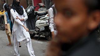 Γερμανία: Συζητήσεις για απαγόρευση της ισλαμικής μαντίλας στις μαθήτριες