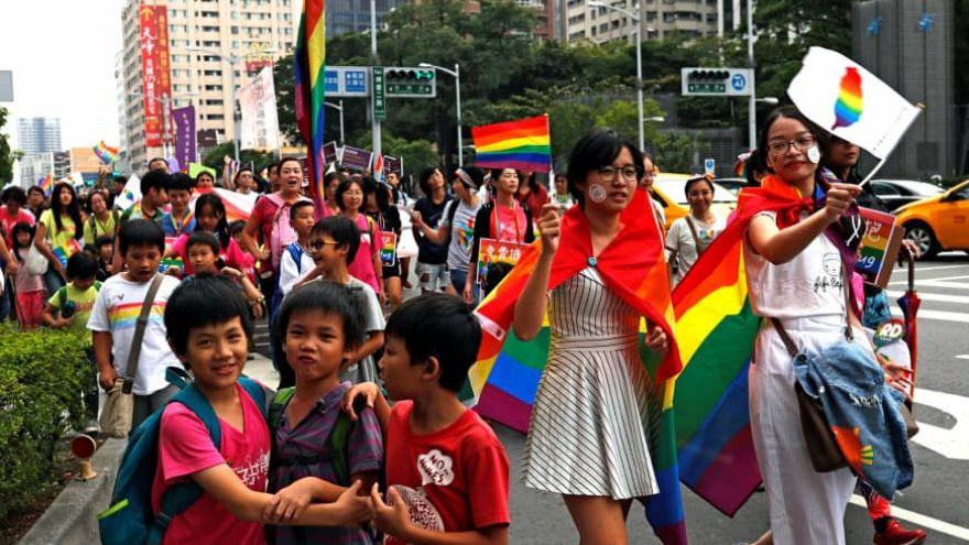 Tayvan eşcinsel evliliği yasal hale getiren ilk Asya ülkesi oldu