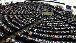 انتخابات پارلمان اروپا؛ مواضع احزاب در قبال بحران مهاجرت، سیاست خارجی و وضع تحریمها