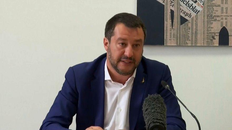 """Salvini diz-se mais """"pró-europeu"""" do que os """"pró-europeus"""""""