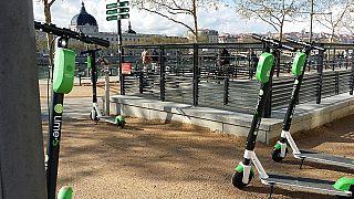 In Frankreich sind sie bereits erlaubt und omnipräsent: E-Roller