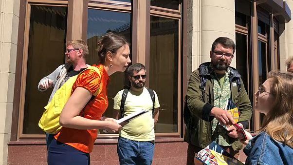 Putyinnál tiltakoznak a melegek üldözése ellen