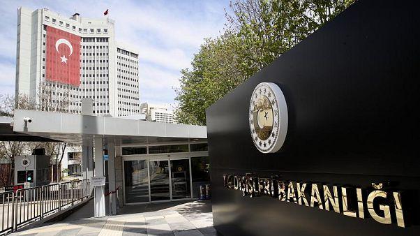 Avusturya'nın başörtüsü yasağına Türkiye'den tepki