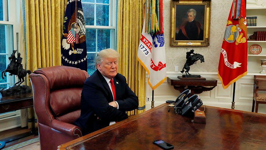 یک مسئول دولت ترامپ: «آمریکا پای تلفن نشسته» اما خبری از ایران نیست