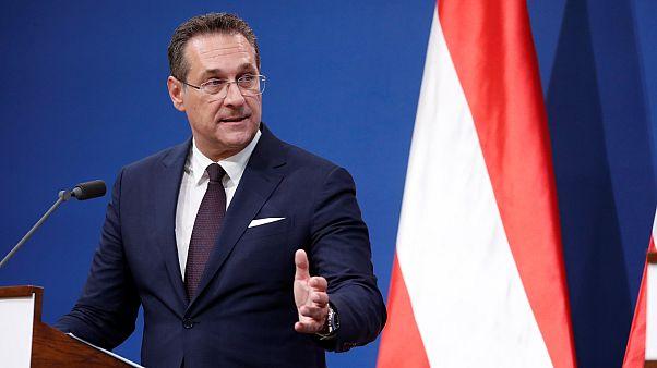 Oroszoknak ígért titokban közbeszerzéseket az osztrák alkancellár
