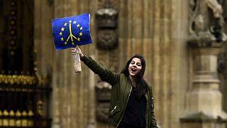 Yaşlı politikacılara tepki gösteren Avrupalı gençler AP seçimlerine kendi partileriyle giriyor