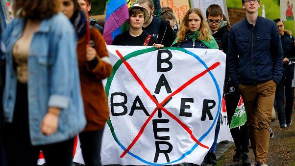 Marches mondiales contre le géant de l'agrochimie Bayer-Monsanto