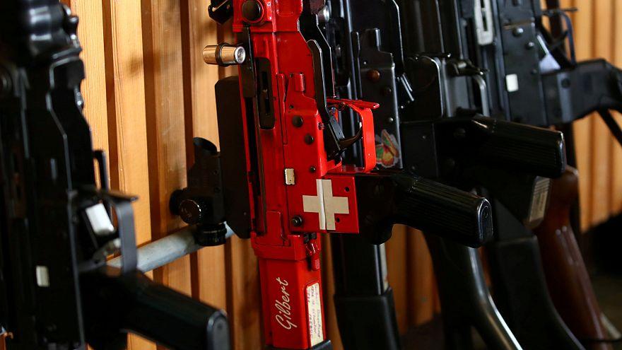 Швейцарцы согласны ужесточить контроль над оружием