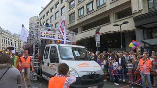 100 тысяч активистов на гей-параде в Брюсселе